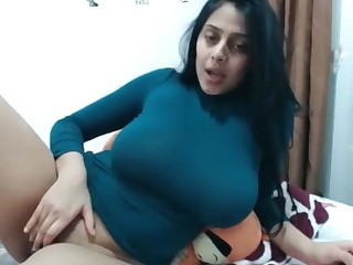 Big Tits Indian MILF Natural Webcam